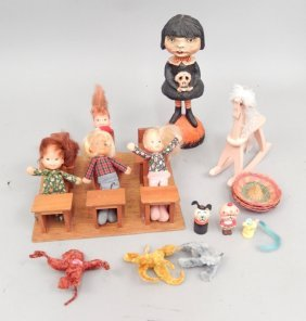Grouping Of Dolls, Including Honey Hill Bunch