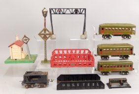 Lionel Prewar O Gauge Passenger Cars, Accessories, And