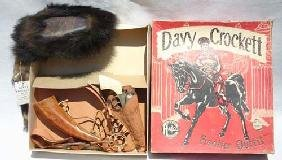 """Davy Crockett Orig Boxed """"Frontier Outfit"""" By Halco"""