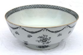 "Early 19thC Chinese Export Bowl - 10 1/2"" Diam X 4 1"