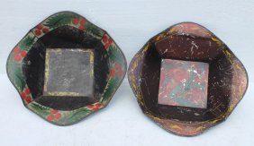 Pr Of Mid 19thc New England Toleware Apple Trays W Orig