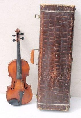 E.h. Berlin Violin In Case W A Bow - Interior Of Violin