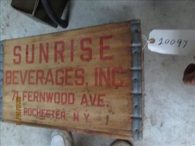 """Vintage Wood Crate Sunrise Bev. Rochester Ny 15x15x9"""""""