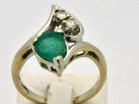 14k Wg Emerald & Diamond Ring