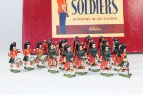 Britains Set #9435 Highland Pipers