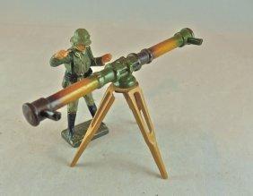 Lineol German Soldier W/large Range Finder
