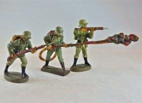 Lineol/elastolin 3 German Soldiers In Gas Masks
