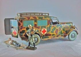 Tippco Ambulance W/driver+2 Figures