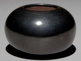 A SAN ILDEFONSO BLACKWARE JAR Maria Poveka C. 19