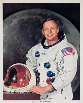 Neil Armstrong Signed Color Photo.