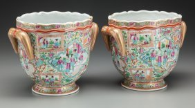 A Pair Of Chinese Export Porcelain Wine Coolers,