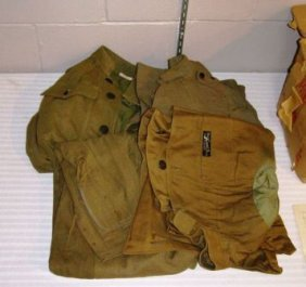 BOX CONTAINING WWI UNIFORMS
