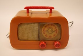 Vintage Table Top Radio