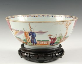 Chinese Export Bowl - 19th C. Mandarin Bowl With Two