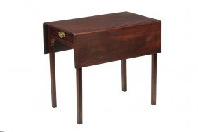 18th C Pembroke Table - Very Nice Small Pembroke Table
