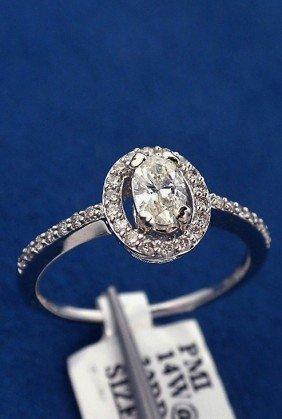 14KT White Gold .49ct Diamond Ring J39