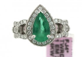 14KT White Gold 2.05ct Emerald And Diamond Ring FJM1479
