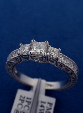 14KT White Gold Ladies .83ctw Diamond Ring J59