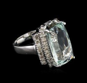 14kt White Gold 7.61ct Aquamarine And Diamond Ring