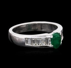 14kt White Gold 0.43ct Emerald And Diamond Ring