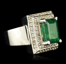 14kt White Gold 3.02ct Emerald And Diamond Ring