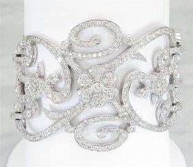 Penny Preville 13.37ctw Diamond Bracelet - 18kt White