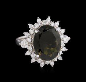 5.44ct Green Tourmaline And Diamond - Ring - 14kt White