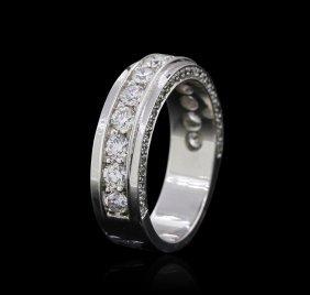 18kt White Gold 0.94ctw Diamond Ring