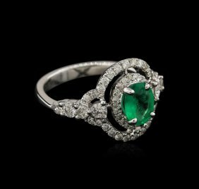 14kt White Gold 0.97ct Emerald And Diamond Ring