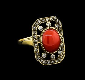 2.60ct Coral And Diamond Ring - 18kt Yellow Gold
