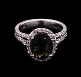 2.66ct Green Tourmaline And Diamond Ring - 14kt White