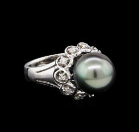 1.33ctw Pearl And Diamond Ring - 14kt White Gold