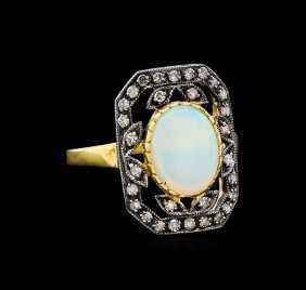 1.45ct Opal And Diamond Ring - 18kt Yellow Gold