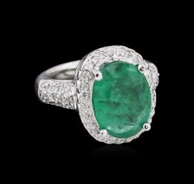 2.50ct Emerald And Diamond Ring - 14kt White Gold