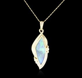 14kt Yellow Gold 11.00ct Opal And Diamond Pendant With