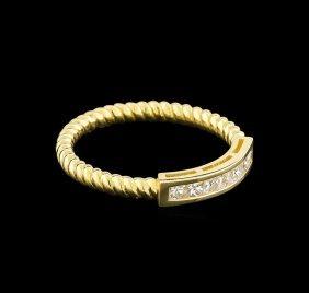 0.31ctw Diamond Ring - 14kt Yellow Gold