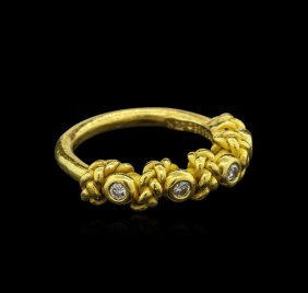 0.30ctw Diamond Ring - 22kt Yellow Gold