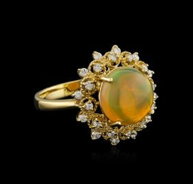 3.30ct Opal And Diamond Ring - 14kt Yellow Gold