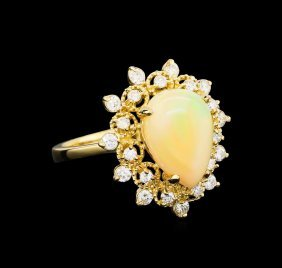 2.76ct Opal And Diamond Ring - 14kt Yellow Gold