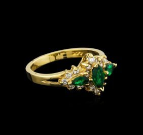 0.48ctw Emerald And Diamond Ring - 14kt Yellow Gold