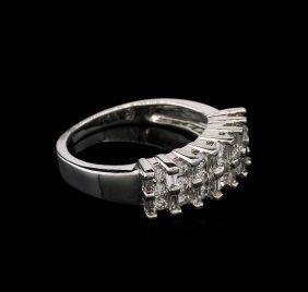 0.91ctw Diamond Ring - 14kt White Gold